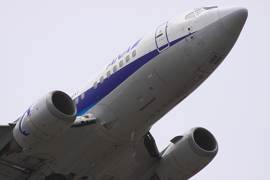 AKX B737-5L9 ANA513@下河原緑地公園展望デッキ(by EOS50D with SIGMA APO 300mm F2.8 EX DG/HSM + APO TC2x EX DG)