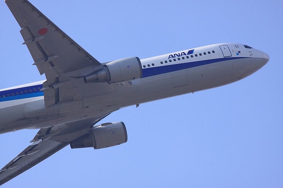 ANA B767-381 ANA543@下河原緑地展望デッキ(by EOS 50D with SIGMA APO 300mm F2.8 EX DG/HSM + APO TC1.4x EX DG)