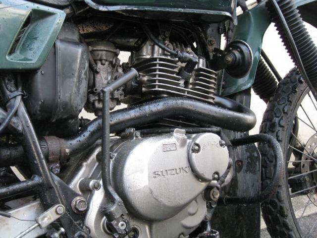 分解洗浄したエンジン独特の雰囲気を醸し出す