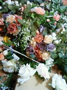 アーティストママのつれづれ日記-ウェルカムボード材料造花