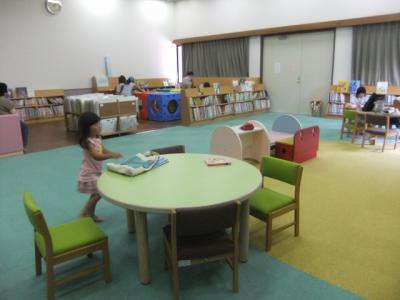 2011.08.09 図書館 007