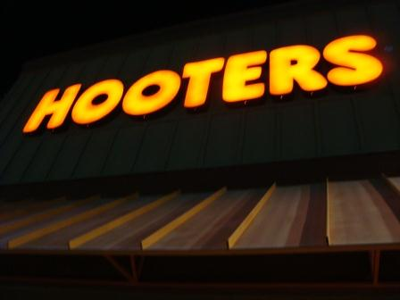 11-9 HOOTERS