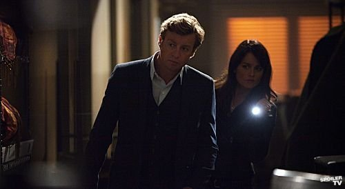 The_Mentalist_Season_4_Episode_21_Ruby_Slippers_3-7942-590-700-80_595_watermark[1]