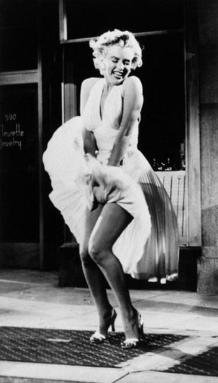 Marilyn-Monroe-pb01[1]