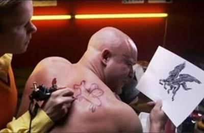 のぶかつおどしたいから刺青いれたって