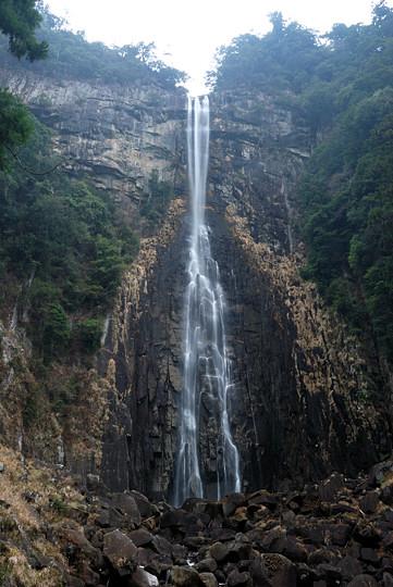 NAZIの滝
