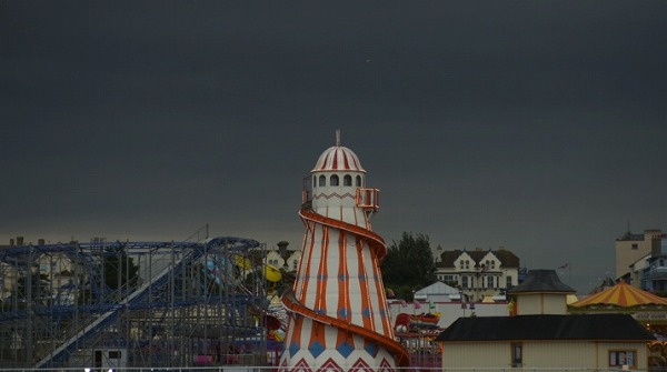 croppedimage715400-Helter-skelter-On-Landguard-Point-A-film-about-home[1]