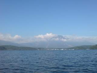 20101002 湖上からの景色