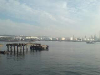 20111025 磯子の海