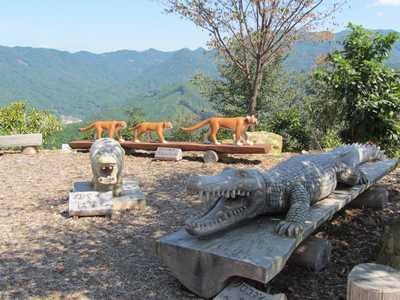 木彫り動物園3