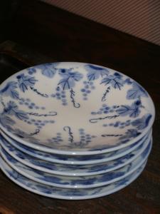 P5290141ブドウ皿