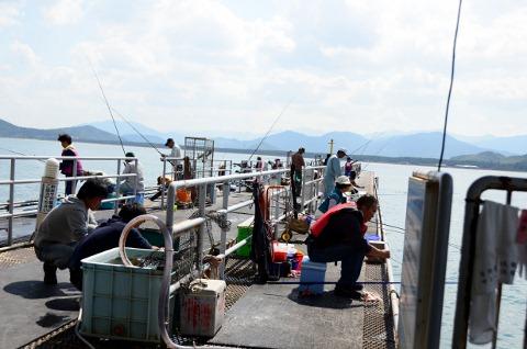 魚釣りの人々
