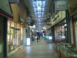 桑名駅前の商店街