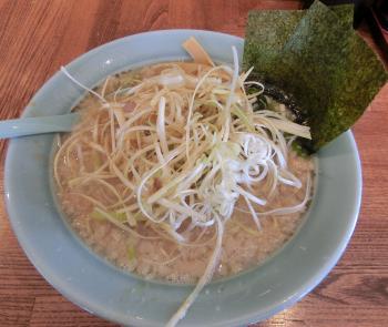 ネギラーメン(麺硬め 背脂多め)