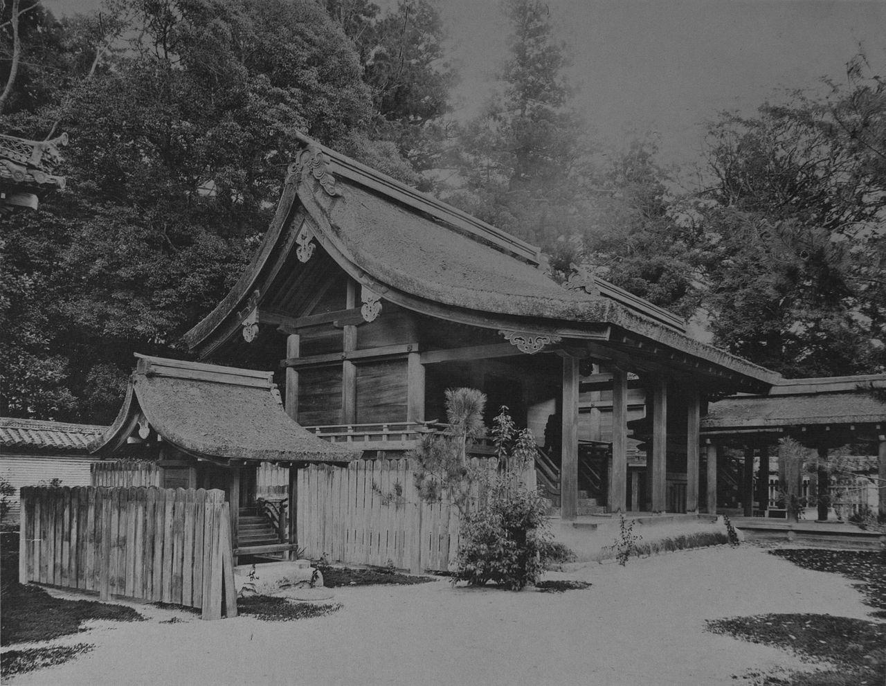 1280px-Honden_of_Kamomioya_Jinsha_(43).jpg