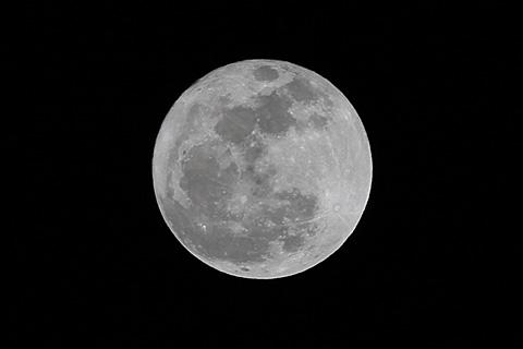 moon110218.jpg