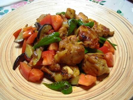 鶏唐揚とお野菜のさっぱりニンニク醤油炒め