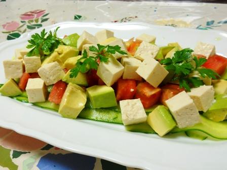 お豆腐サラダトマトアボカド