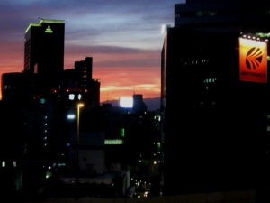 台風接近の夕日2