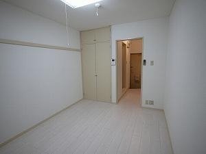 ハイツ棕櫚106洋室6帖