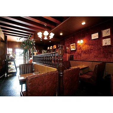 「純喫茶」とはアルコールの類を取り扱わない喫茶店