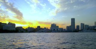 横浜 遊覧船からの夕日
