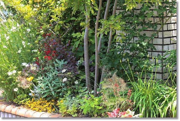 門前横花木花壇