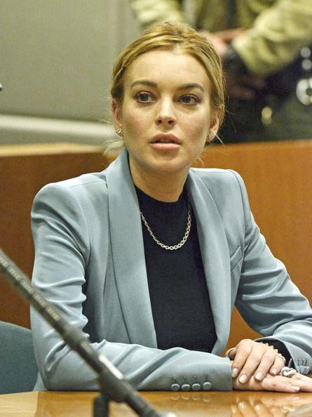 Lindsay+Lohan+Smiles+Court+5o33B9vQGR7l.jpg