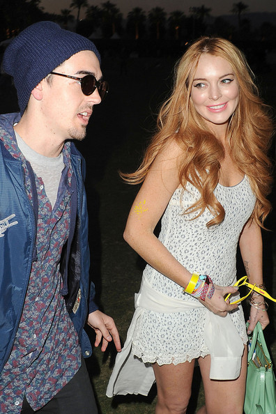 Lindsay+Lohan+smiles+spotted+yet+another+mystery+boOxeJ7uIdAl.jpg