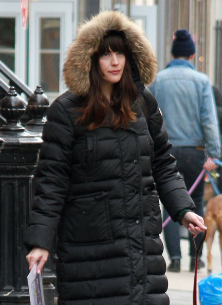 Liv+Tyler+Heads+Out+Pup+GymwpbIUo4ll.jpg