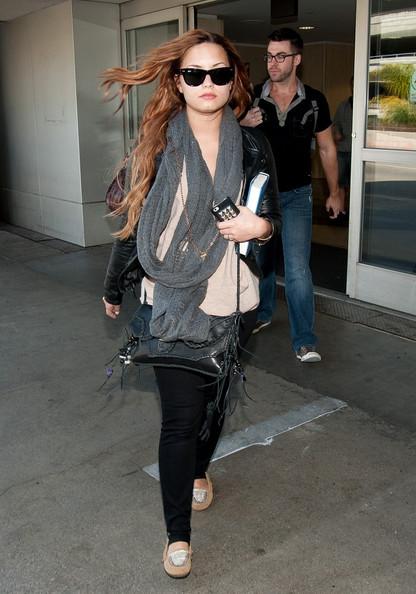 Lovato+returns+631HZE8txxBl.jpg