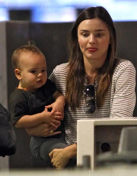 Miranda+Kerr+Son+Flynn+Catching+Flight+Sydney+YHyELOyzT7gl.jpg