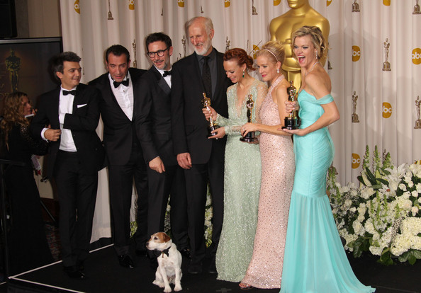 Uggie+dog+84th+Annual+Academy+Awards+Press+Q3jdNoIP-H3l.jpg