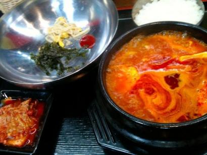 海鮮豆腐チゲ定食800円