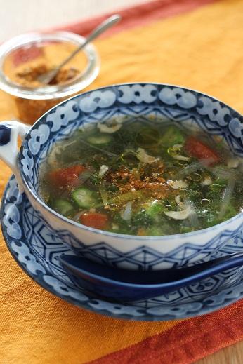 モロヘイヤとおくらのスープにデュカ