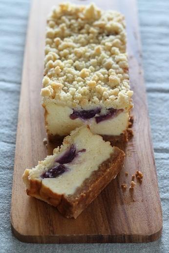 ぶどうのクランブルヨーグルトチーズケーキ1