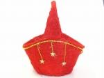 星と金の飾りつき赤い色のカゴ