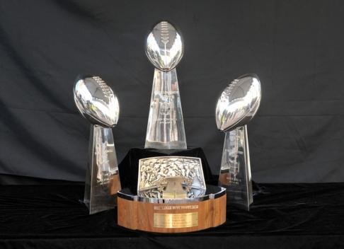 20120525Vince Lombardi Trophy
