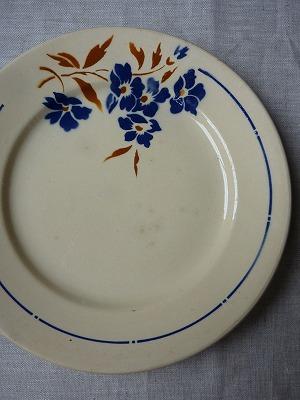 青いお花の皿