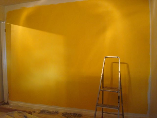yellow wall in s room