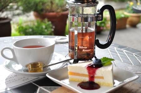 herbillcaffe2.jpg