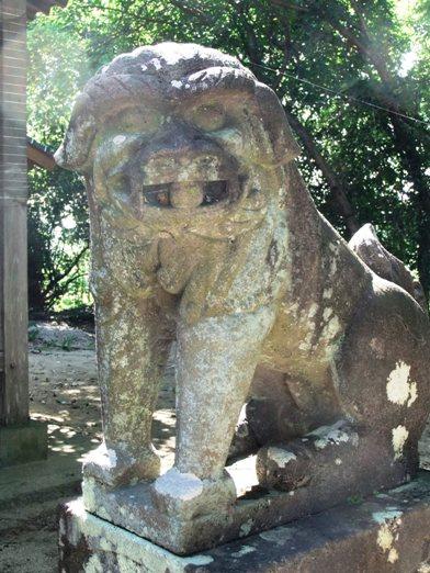 若宮八幡神社白壁1