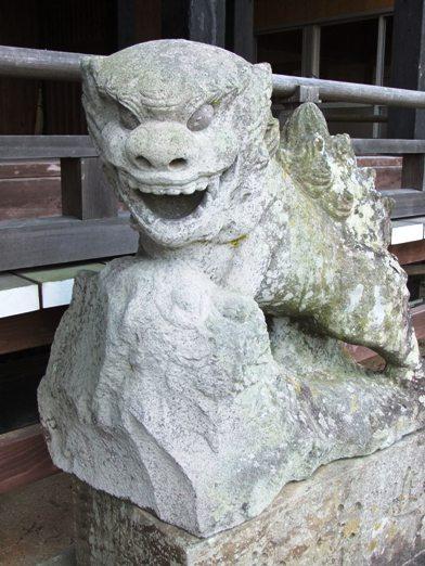 天山神社岩蔵1