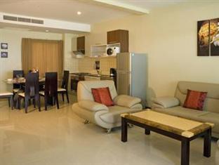 カマラ ビーチフロント アパートメント (Kamala Beachfront Apartment)