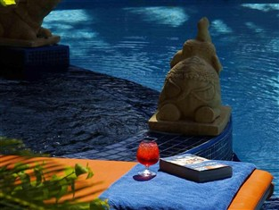 サファリ ビーチ ホテル (Safari Beach Hotel)