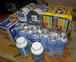 コストコの水、缶詰