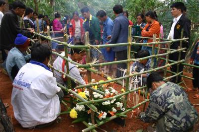 ラフ族のお葬式
