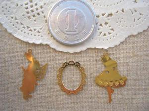 銅メタル:シルエットうさぎ、レースフレーム、シルエットアリス」