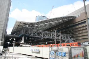 大阪駅と103系