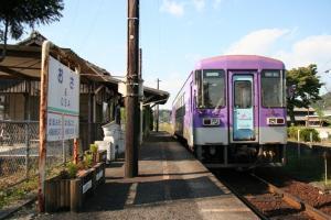 101017 長駅と気動車
